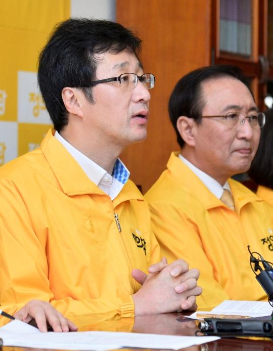 정의당 천호선 대표(왼쪽)와 노회찬 전 대표(오른쪽)의 모습. ⓒ뉴시스·여성신문