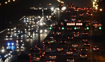 한국도로공사는 이번 설 연휴 교통량은 지난해 보다 3.5% 증가, 일평균 379만대를 기록했다고 밝혔다. ⓒ뉴시스·여성신문