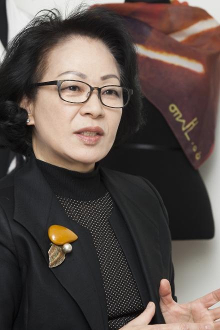 황 대표는 갤러리 중심으로 작품 판매가 되고 있는 한국 미술 시장에 대해 안타까움을 표했다.sumatriptan patch http://sumatriptannow.com/patch sumatriptan patch