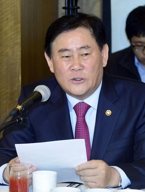 최경환 부총리 겸 기획재정부 장관이 발언하고 있다. ⓒ뉴시스·여성신문