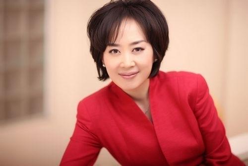 가장 큰 영향을 미친 여성 기업가로 소개된 디에이치게이트의 CEO 다이앤 웡. 출처 : 다이앤 웡 트위터 ⓒtwitter.com/diane_wang