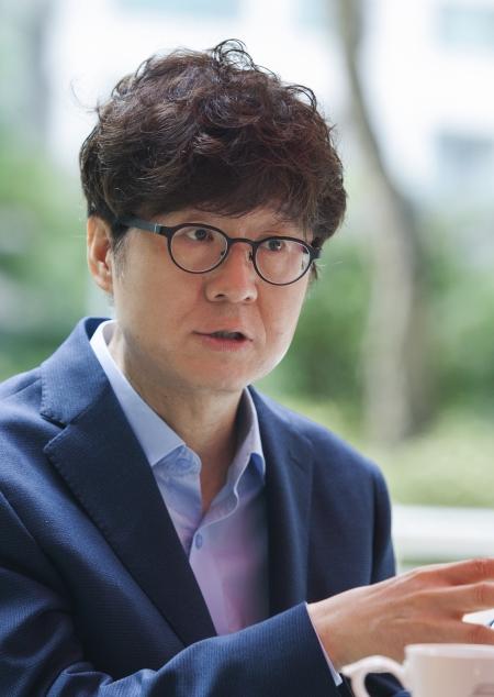 주철환 서울문화재단 대표가 여성신문과 인터뷰하고 있다. ⓒ이정실 사진기자