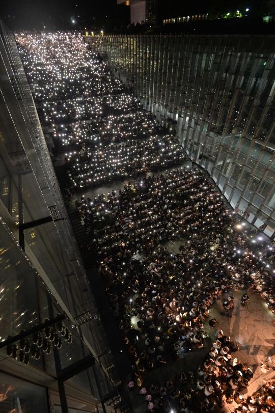 지난 8월10일 이화여대 재학생과 졸업생 약 3500명(경찰 추산)이 이화여대 캠퍼스에 모여 최경희 총장의 사퇴를 촉구하는 시위를 벌였다. ⓒ뉴시스·여성신문