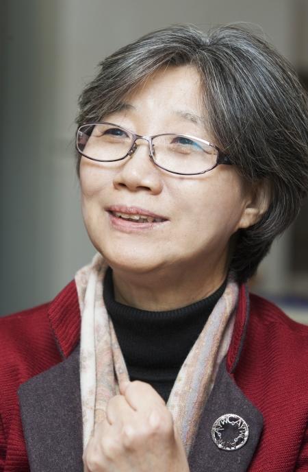 최순영 전 민주노동당 의원이 여성신문과 인터뷰하고 있다. ⓒ부천=이정실 사진기자