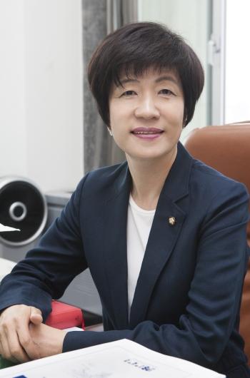 김영주 더불어민주당 의원 ⓒ이정실 여성신문 사진기자