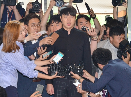 개그맨 유상무는 지난해 5월 성폭행 미수 혐의로 검찰 수사를 받은 후 12월 무혐의 처분을 받았다. ⓒ뉴시스·여성신문