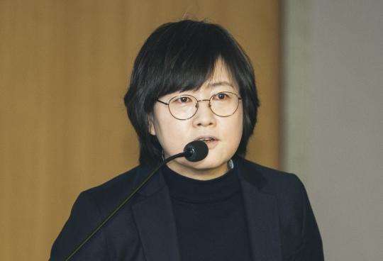 지난 10일 국회 의원회관에서 개최된 '성평등과 헌법 '토론회에서 김은주 한국여성정치연구소장이 발제를 하고 있다. ⓒ이정실 사진기자