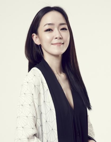 록밴드 자우림의 보컬 김윤아가 약 20년 만에 대학교를 졸업한다. ⓒ뉴시스·여성신문