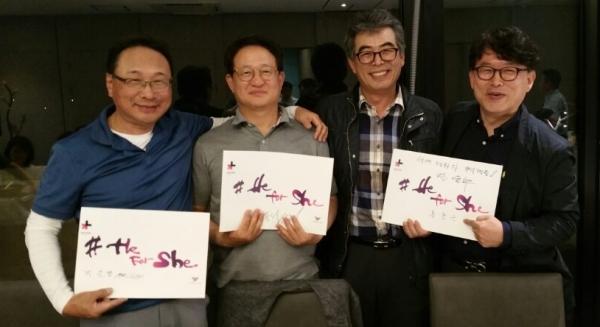 좌로부터 박문열, 박종석, 전윤수(3기 동문회장), 봉형근 ⓒ권은주 기자
