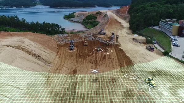 드론을 활용한 토공량 산출 장면 예시 ⓒ대우건설