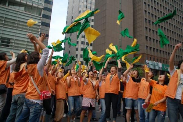 2008년 9월 민들레순례단 모습. 민들레순례단은 매년 9월 여성인권 현장을 순례하고 추모행사를 연다. ⓒ한국여성단체연합