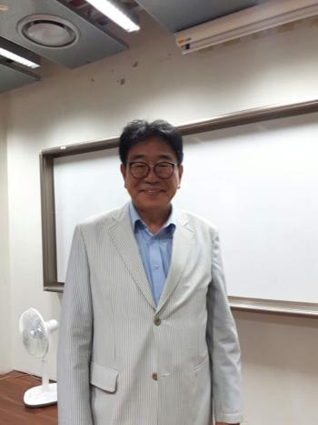 윤병선 건국대 교수 ⓒ최형미
