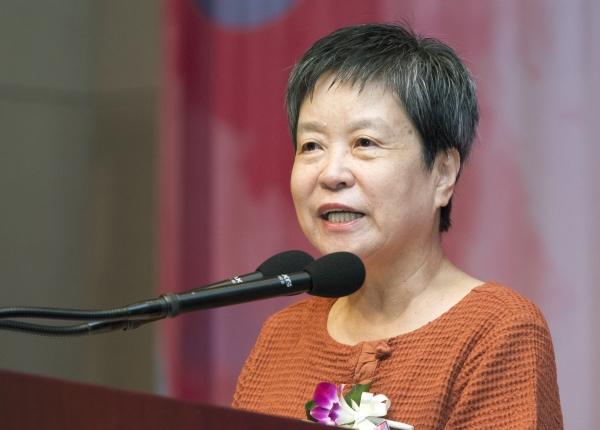 박혜란 여성문화네트워크 대표가 인사말을 하고 있다. ⓒ이정실 여성신문 사진기자