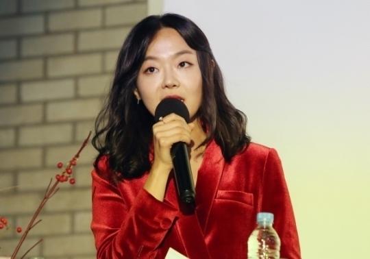 배우 이상희가 '올해의 여성영화인 시상식' 사회를 맡았다.