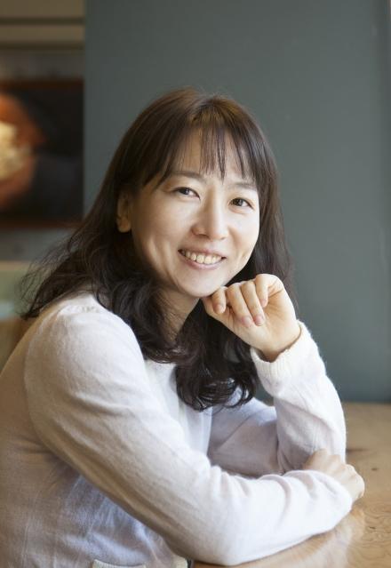 소설 '아빠를 빌려드립니다'를 쓴 홍부용 작가. ⓒ이정실 여성신문 사진기자