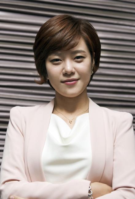 정은혜(31) 새정치민주연합 청년위원은 여성신문과 만나 정치꾼이 아닌 직업정치인이 되고 싶다고 말했다. ⓒ이정실 여성신문 사진기자