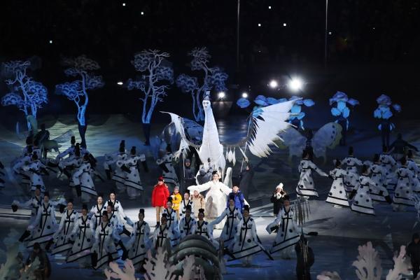 2018 평창 동계올림픽 개막식이 열린 9일 오후 강원도 평창 올림픽스타디움에 개막식 평화의 땅 공연이 진행되고 있다. ⓒ뉴시스