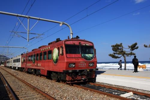 정동진역에서 출발을 기다리는 바다열차 ⓒ한국관광공사