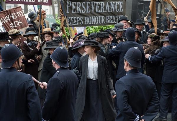 영국의 여성참정권 운동을 다룬 영화 '서프러제트'의 한 장면. ⓒ유니버설픽쳐스인터내셔널코리아