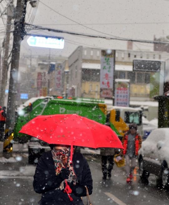 목요일인 22일 전국이 흐린 가운데 눈이나 비가 내릴 것으로 예보됐다. ⓒ뉴시스·여성신문