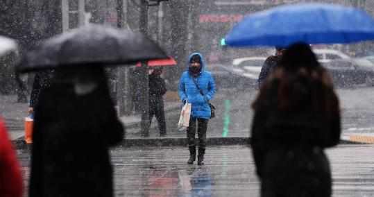 25일도 비교적 포근하나 날씨는 점차 흐려지겠다. 눈이나 비가 내리는 곳도 있겠다. ⓒ뉴시스·여성신문