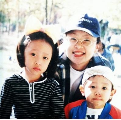 어릴 적 가족사진을 공개한 EXID 멤버 하니. ⓒ'하니' 인스타그램