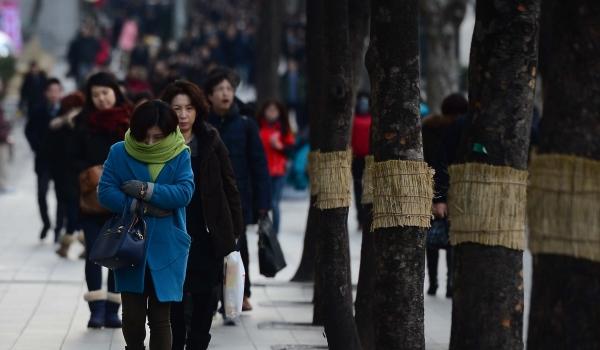 5일은 전국에 비나 눈이 내리다 낮부터 서서히 그치겠다. 이날 기온은 전날보다 10도가량 떨어져 쌀쌀하겠다. ⓒ뉴시스·여성신문