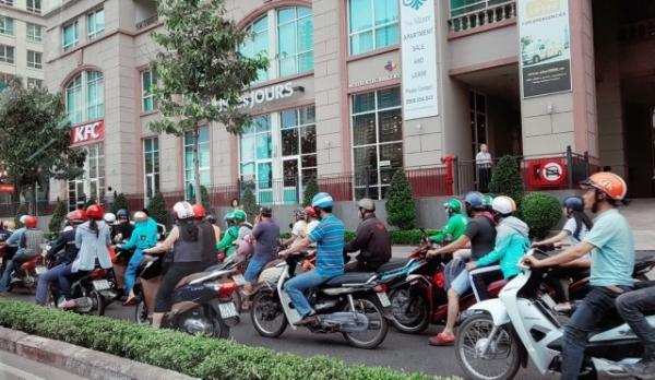 오토바이로 가득한 호찌민 거리의 모습 ⓒ송수산