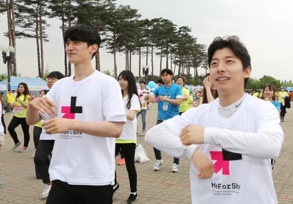 2017 여성마라톤 히포시코리아 홍보대사로 참여한 이대훈, 곽육기 선수 ⓒ이정실 여성신문 사진기자