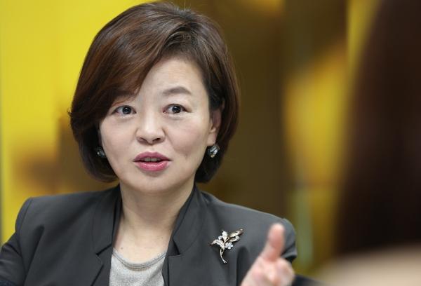 진선미 더불어민주당 의원이 첫 여성 여당 원내수석에 임명됐다. ⓒ이정실 여성신문 사진기자