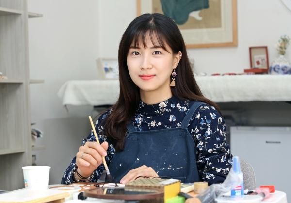 세라믹 아티스트 도화(陶花) 김소영 작가 ⓒ이정실 여성신문 사진기자