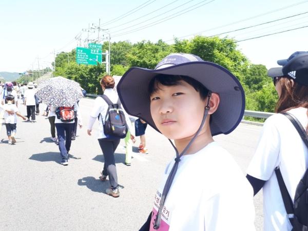 북한을 보고 싶은 마음에 혼자 참가한 해솔중학교 1학년에 재학중인 최동우 학생 ⓒ여성신문