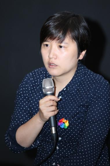 류민희 변호사가 '권리의 이름으로: 법적 쟁점을 중심으로'를 주제로 얘기하고 있다. ⓒ이정실 여성신문 사진기자