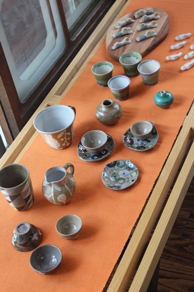 일본 사가현 아리타에 위치한 '갤러리 백파선'에 일본의 여성 도공 사토 메구미의 작품이 전시되어 있다. ⓒ사가현 아리타=이유진 기자