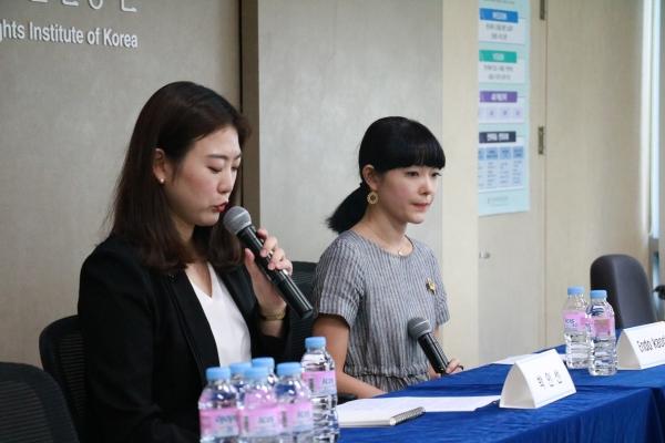 일본의 무용수 엔도 카오리 씨(오른쪽)는 올 2월 일본 유명 사진작가 아라키 노부요시의 여성 모델 착취와 여성혐오를 폭로했다. 그는 지난 8일 한국여성인권진흥원이 연 '여성, 이미지 생산자' 포럼에서 자신의 이야기를 들려줬다. ⓒ한국여성인권진흥원 제공