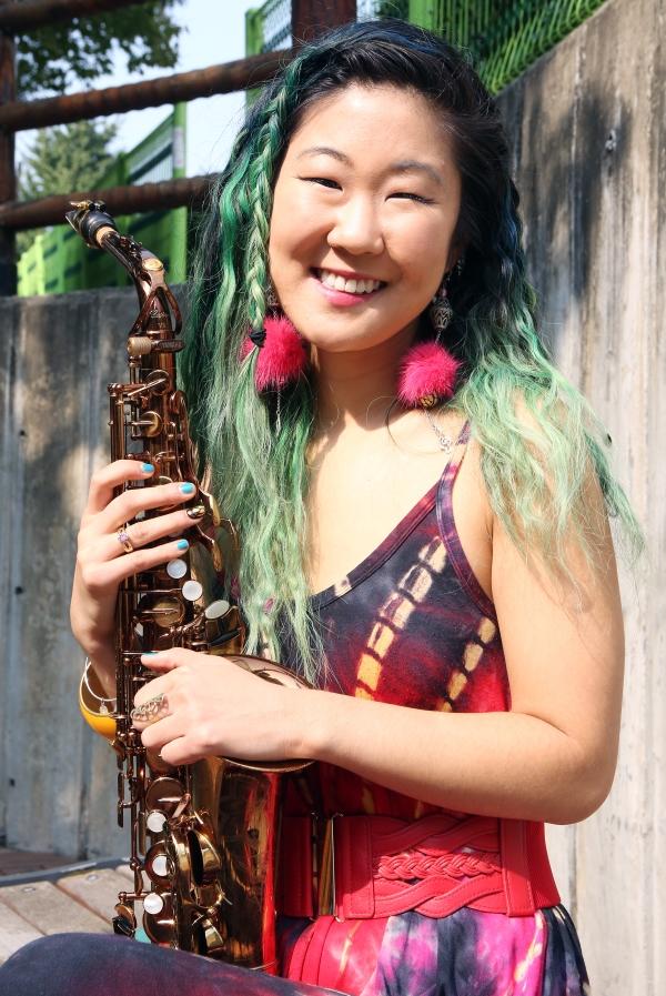 여성 솔로 뮤지션이 드문 재즈 음악계에서, 켈리는 다른 여성과 소수자들에게 영감을 불러일으키는 존재다. ⓒ이정실 여성신문 사진기자