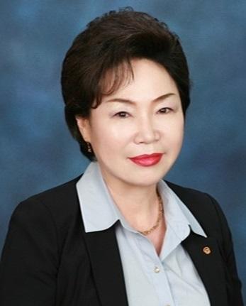 100대 기업 여성 임원 중 최연장자로 조사된 김남옥 한화손해보험 상무 ⓒ뉴시스·여성신문