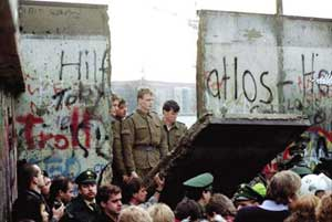 When the Berlin Wall came down on 9 November 1989, Germany took a big step away from the era of division and towards the era of reunification.