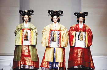 Lee Young Hee Hanbok that Globalized the Korean Traditional Costume, Hanbok