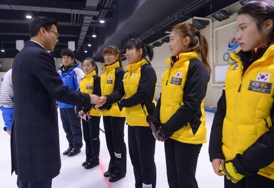 Women's curling team, running for the Olympics for the first time in Sochi. ⓒ Newsis, Women's News
