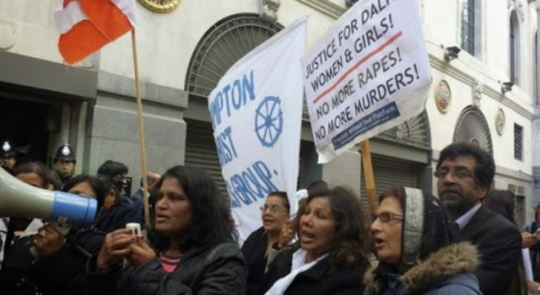 Outside the Indian High Commission in London, hundreds of disgruntled Indian community members and women activists held anti-rape demonstrations and urged the Indian government to take swift action to solve the Badaun rape case.